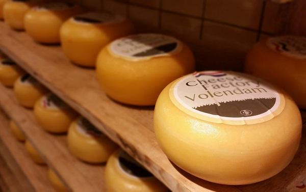 De bolvormige kaas van de Cheese Factory