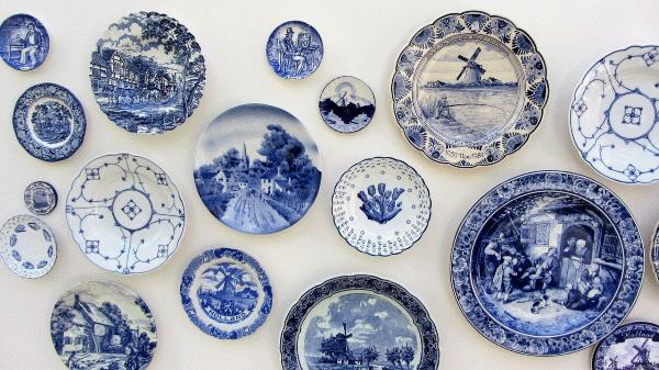 Een blik op Delfts Blauwe borden