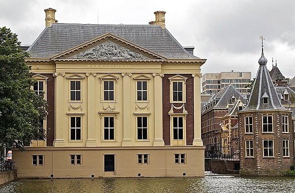 Een zicht op het Mauritshuis in Den Haag