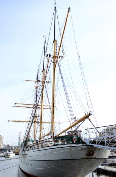 Een zicht op Zeilschip Mercator